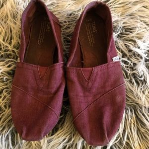 Toms size 11 in deep burgundy red